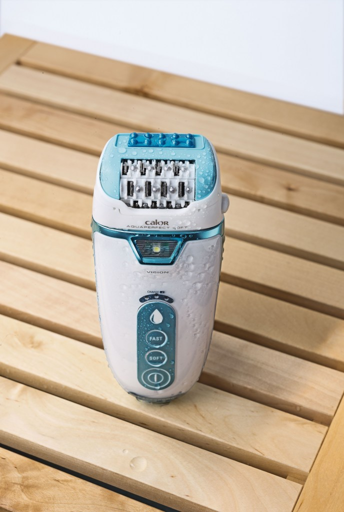 RO-AIR_REMOVAL-EPILATORS-AQUAPERFECT_SOFT-EP9300EO-PRODUCT_IN_SITUATION-4