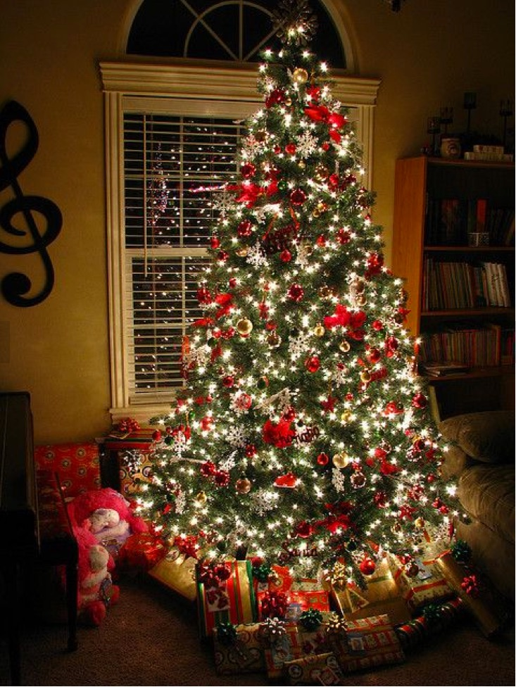 20_Awesome_Christmas_Tree_Decorating_Ideas___Inspirations_—_Style_Estate